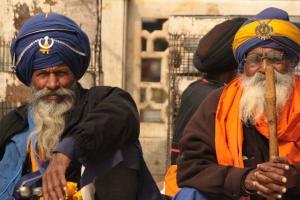 Sikhowie w turbanach