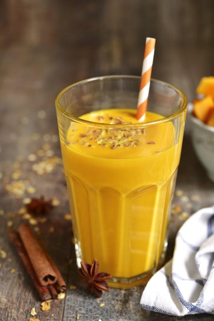 Koktajl z mango i cynamonem