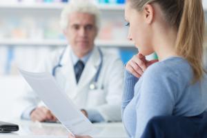 kobieta-lekarz-nieplodnirazem