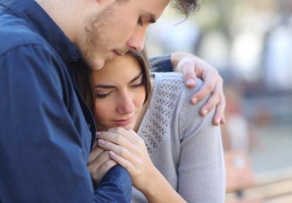 Jak wspierać rodzica po poronieniu
