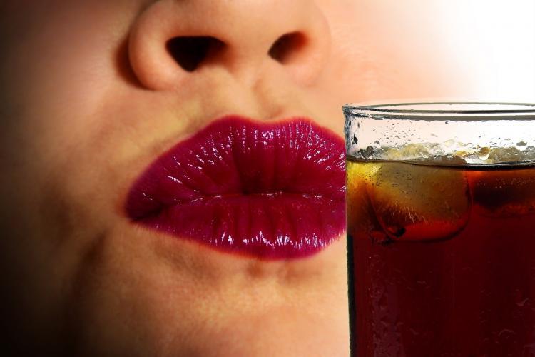 Najpopularniejszy napój świata demoluje płodność kobiet i mężczyzn