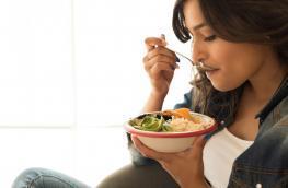 Dietetyk kliniczny: Ile posiłków dziennie należy jeść, mając insulinooporność (IO)