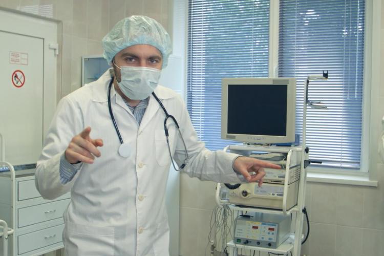 Ten ginekolog podbił serca ciężarnych oryginalną metodą zmniejszającą ból porodowy
