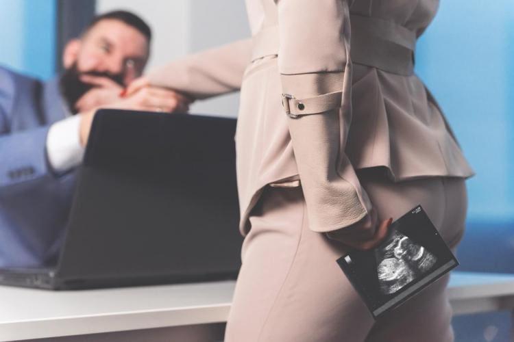 Ciąża a praca - kiedy powiedzieć szefowi o ciąży?