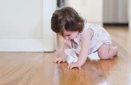 Raczkowanie - czy dziecko musi przejść przez ten etap?