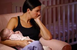 Twoje dziecko nie lubi łóżeczka? Zobacz, jak i gdzie powinno spać niemowlę