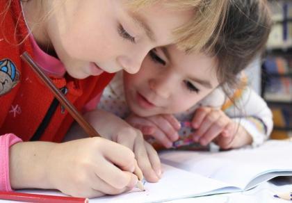 300+ wyprawka dla dziecka: kto może skorzystać z nowego świadczenia i w jaki sposób