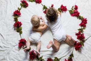 Wielki sukces in vitro! Urodziło się 8 milionów dzieci! Polska powinna się wstydzić