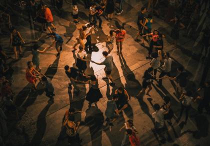 W Małopolsce in vitro przegrało z lekcjami tańca dla studentów i siatkówką. Nie będzie pieniędzy na in vitro