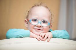 Wady wzroku u dzieci_objawy przyczyny i wybór okularów