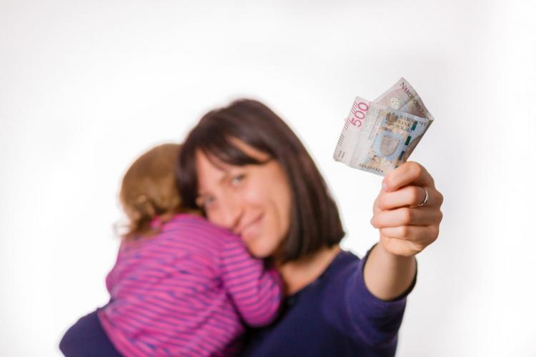 Są wypłaty 500 plus na pierwsze dziecko