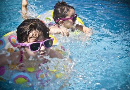 Udar słoneczny u dzieci jest dużo groźniejszy niż u osób dorosłych