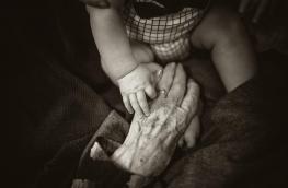 Kobieta w wieku 74 lat urodziła bliźnięta z in vitro