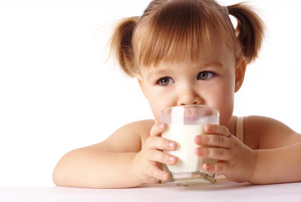 Kiedy wprowadzić mleko krowie do diety dziecka?