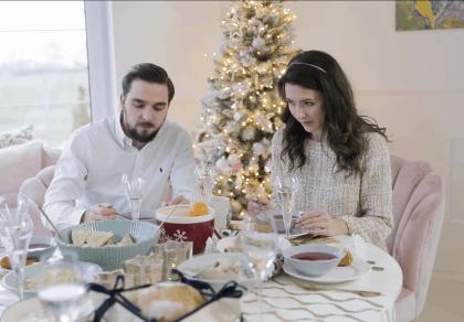 Święta niepłodnych - trudne rozmowy przy świątecznym stole