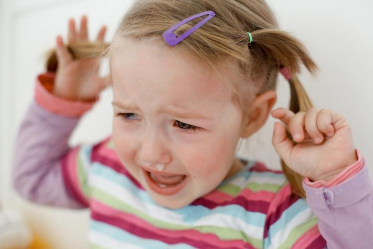 Jak radzić sobie z atakami złości u dziecka?