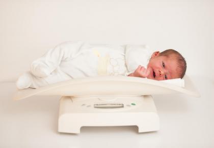 Spadek wagi noworodka