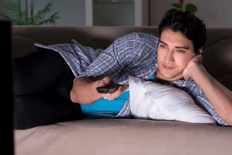 oglądanie telewizji w nocy szkodzi plemnikom