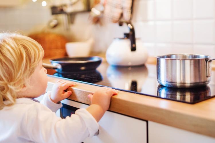 Co robić, gdy dziecko się poparzy