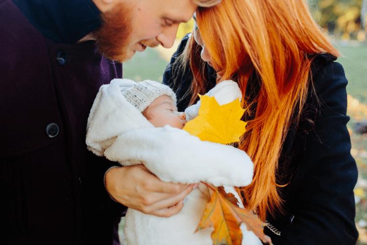 jak ubierać niemowlaka jesienią